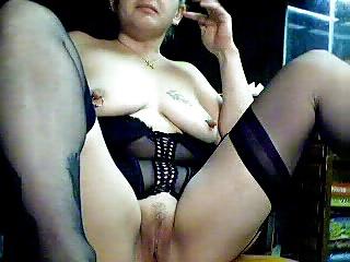 MILF di black lingerie 19