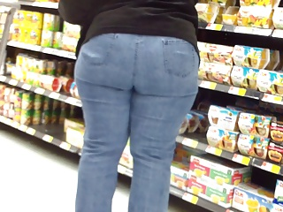Broad in the beam Close to Nation Irritant Milf In Tiht Jeans.