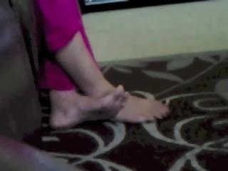 Desi Pakistani Feet Tease Salwar High