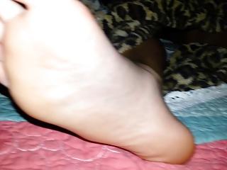 I love pretty feet at night