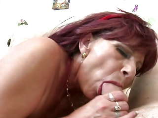 Mature sex bombs moms butter up young boys