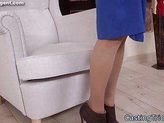 Petite casting beauty gets creampied