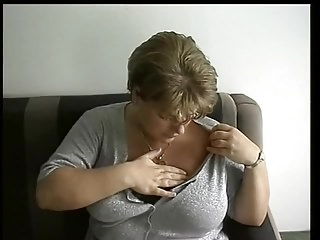 Short Thorn Coy Plump Frau