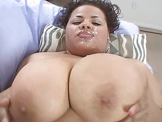 Big Tit Latina Naturale Giving Head