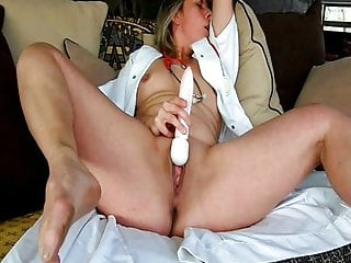Beautifull Lisa nurse orgasm with vibro