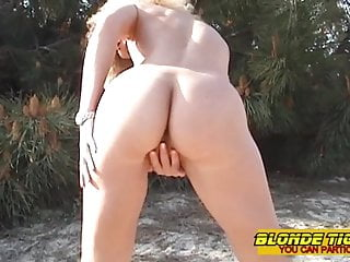 dilettante milf on careen with toy before 3some handjob