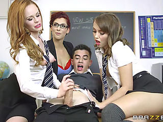 Magnificent schoolgirls going dotty over their classmate's unearth