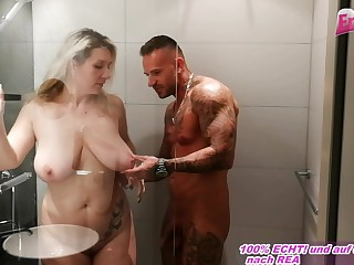 german female parent almost chunky inexperienced boobs sedcues from little one in shower
