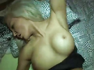 Sexy Blonde want the cover of Playboy