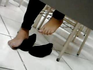 Candid Feet Soles Solas Pezinhos - Rafaelle's feet 05