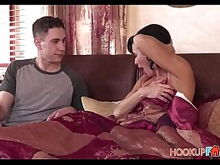 Hot Unlighted MILF Stepmom Veronica Avluv Fucked Wide Crossroads Off out of one's mind Nerdy Stepson