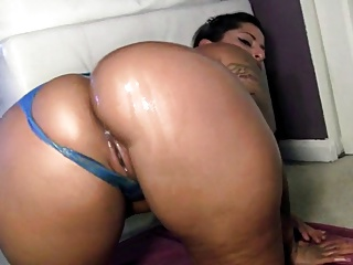 Big Booty Latin Pamper Tease - 85